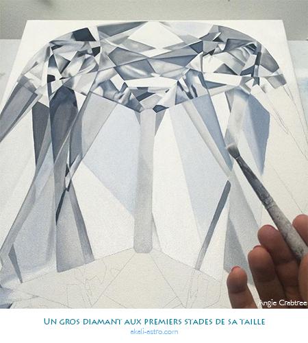 Un gros diamant aux premiers stades de sa taille